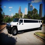rsz_white-hummer-limo2